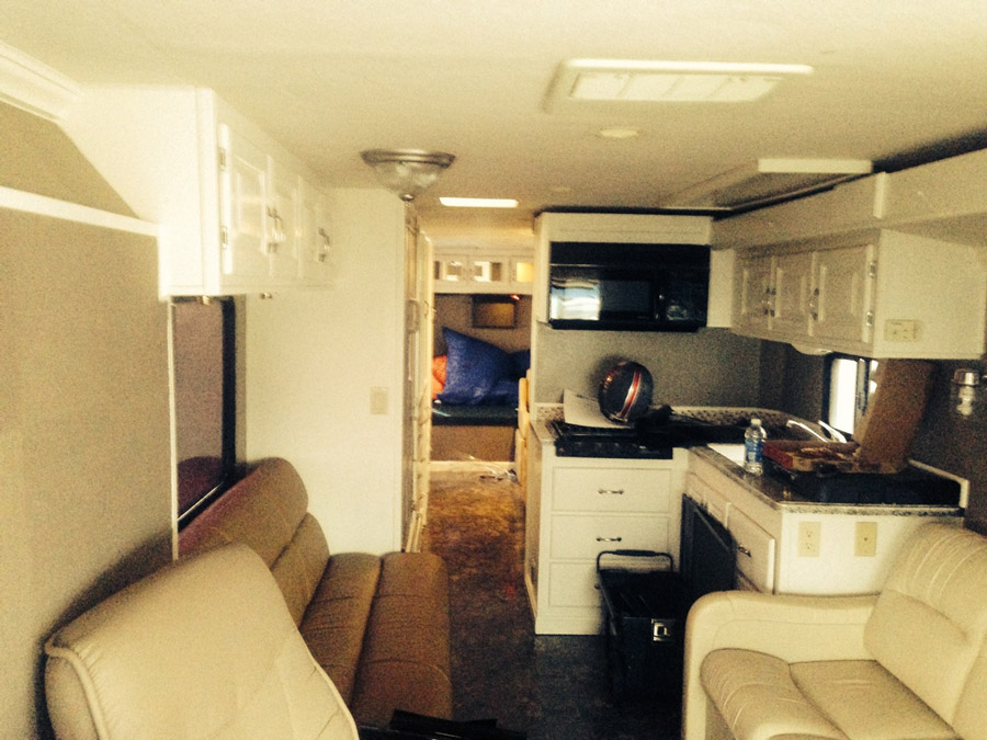custom-refinished-tailgating-motor-home