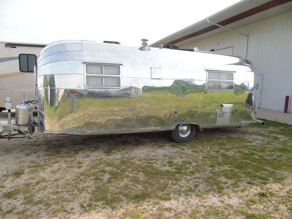 Vintage Avion Travel Trailer Restoration