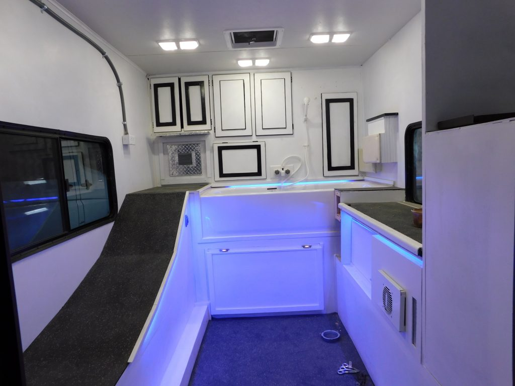 custom pet grooming mobile business trailer